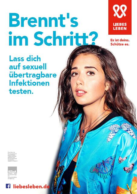 """Bild zu LIEBESLEBEN 2019 - Innenraumplakat Motiv """"Brennt's im Schritt? (Frau)"""""""
