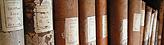 Bildmarke Archiv - Eine Reihe antiker Bücher im Regal